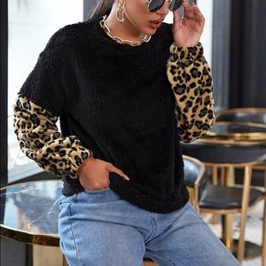 Cheetah print sleeves sweatshirt